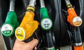 Fiscalité carburant. Gros bras sur les taxes et petits bras sur l'accompagnement